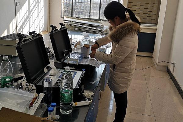 <b>湖南新化县农产品市场购入恒美食品安全检测仪</b>